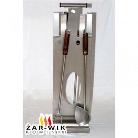 Przybory kominkowe ze stali nierdzewnej w kolorze srebrnym